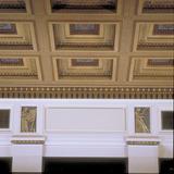 « La Peinture » et « La Musique », deux des dix-huit reliefs polychromes du Moyse Hall, Université McGill, 1926