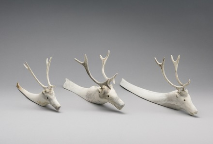 Caribous à la nage