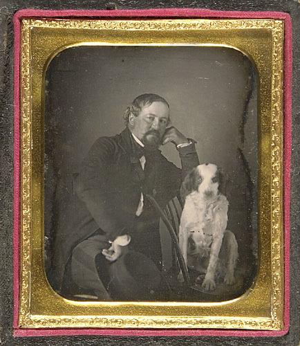 Le Docteur Jean-Charles Pinguet et son chien