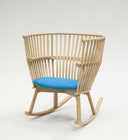 Chaise berçante «Étoffe»