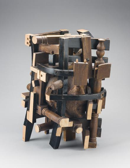 Portrait (entre deux chaises)
